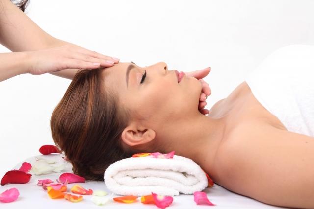 顔の筋肉の弾力性や保湿機能を支配する神経を調整